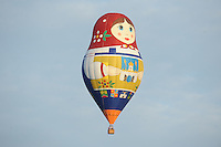 BALLONFEESTEN: JOURE: 23-07-2015, Special shape Matroesjka ballon, ©foto Martin de Jong