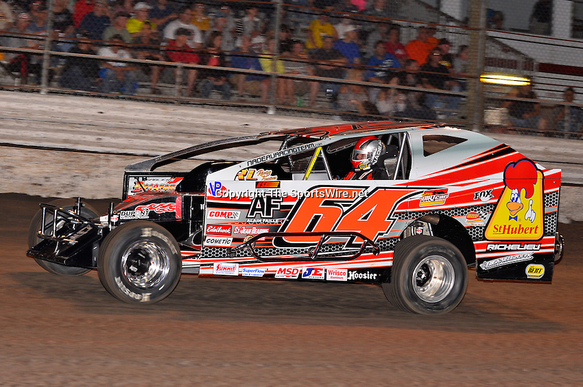 Feb 20, 2014; 6:45:08 PM;  Barberville, FL, USA;  Super DIRT car Series Big Block Modifieds presented by Summit Racing Equipment at Volusia Speedway Park.  Mandatory Credit: (thesportswire.net)