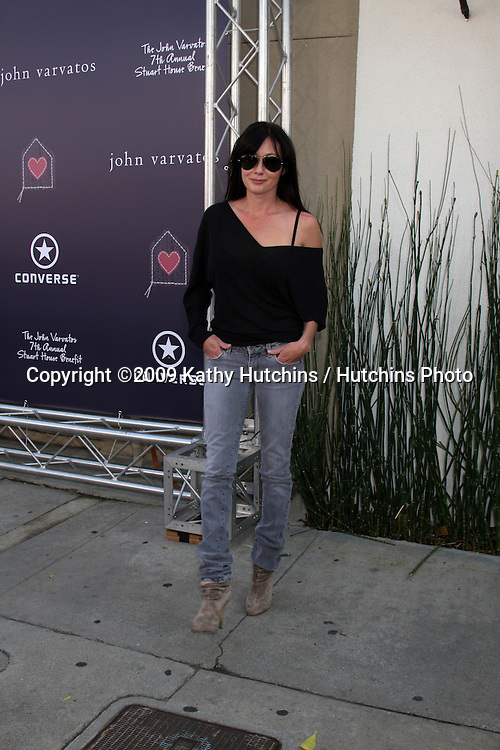 Shannen Doherty   arriving at the 7th Annual John Varvatos Stuart House Benefit at the John Varvatos Store in West Hollywood, CA  on.March 8, 2009.©2009 Kathy Hutchins / Hutchins Photo...                .