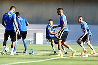 GOIANIA, GO, 28.07.2016 - BRASIL-JAP&Atilde;O - Neymar Jr. (ao centro) durante treino da sele&ccedil;&atilde;o ol&iacute;mpica brasileira de futebol no Est&aacute;dio Serra Dourada, em Goi&acirc;nia (GO), na tarde desta quinta-feira, 28. A equipe enfrentar&aacute; o Jap&atilde;o em partida amistosa no s&aacute;bado (30), em prepara&ccedil;&atilde;o para os Jogos Ol&iacute;mpicos do Rio.<br />   (Foto: Marcos Souza/Brazil Photo Press)
