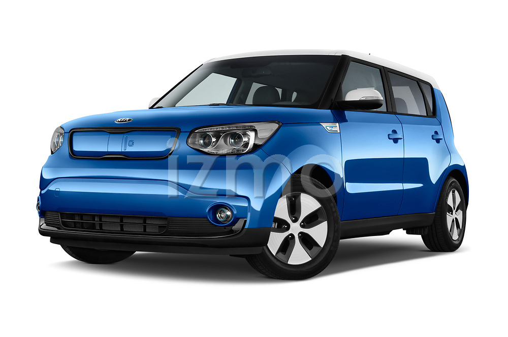 Stock pictures of low aggressive front three quarter view of 2017 KIA Soul EV Base 5 Door Hatchback