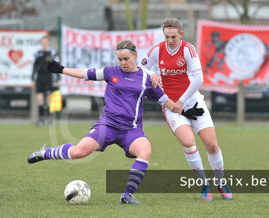 Beerschot Dames - AJAX Amsterdam Dames : Stefanie Van Broeck voor Chantal De Ridder.foto JOKE VUYLSTEKE / Vrouwenteam.be