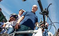 SAO PAULO, SP, 14 JULHO 2012 - ELEICOES 2012 - JOSE SERRA - O candidato a prefeitura de Sao Paulo Jose Serra, cumpre agenda eleitoral durante visita a Ciclovia da Radial Leste, em Itaquera, neste sábado, 14. FOTO VANESSA CARVALHO BRAZIL PHOTO PRESS.