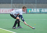 AMSTELVEEN - Ties Klinkhamer (Adam)  tijdens de hoofdklasse competitiewedstrijd mannen, Amsterdam-HCKC (1-0).  COPYRIGHT KOEN SUYK