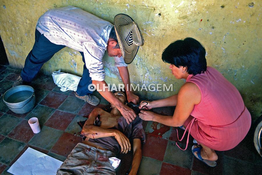 Mortos na guerra civil de El Salvador. 1981. Foto de Juca Martins.
