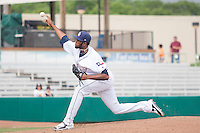 San Antonio Missions pitcher Tayron Guerrero (40) delivers a pitch to the plate during the Texas League baseball game against the Corpus Christi Hooks on May 10, 2015 at Nelson Wolff Stadium in San Antonio, Texas. The Missions defeated the Hooks 6-5. (Andrew Woolley/Four Seam Images)