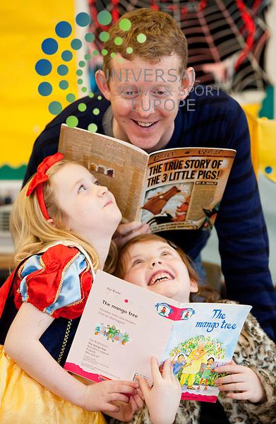 Taggart and River City star Colin McCredie reads much-loved children's books at Broomhill Primary, Glasgow as part of Broomhill Primary's book week celebrations. Left- Eve Anderson Maisie McCredie. Picture: Johnny Mclauchlan News and Sport (Europe)31/10/2011