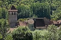 Europe/France/Midi-Pyrénées/46/Lot/Marcilhac-sur-Célé: Vue sur les toits des vieilles maisons du village et clocher de l'ancienne  abbatiale
