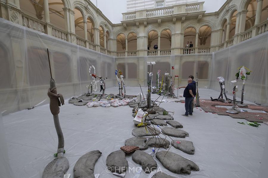 M&uuml;nster, Germany. Opening days of Skulptur Projekte 2017.<br /> Michael Dean: Tender Tender [Sei z&auml;rtlich, sei z&auml;rtlich], 2017