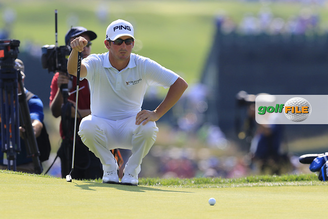 Andrew Landry (USA) on the 4th green during Sunday's Final Round of the 2016 U.S. Open Championship held at Oakmont Country Club, Oakmont, Pittsburgh, Pennsylvania, United States of America. 19th June 2016.<br /> Picture: Eoin Clarke   Golffile<br /> <br /> <br /> All photos usage must carry mandatory copyright credit (&copy; Golffile   Eoin Clarke)