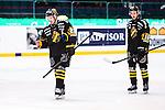 Stockholm 2014-01-18 Ishockey SHL AIK - F&auml;rjestads BK :  <br /> AIK:s Jonas Liwing oh AIK:s Theodor Lennstr&ouml;m deppar efter matchen<br /> (Foto: Kenta J&ouml;nsson) Nyckelord:  depp besviken besvikelse sorg ledsen deppig nedst&auml;md uppgiven sad disappointment disappointed dejected