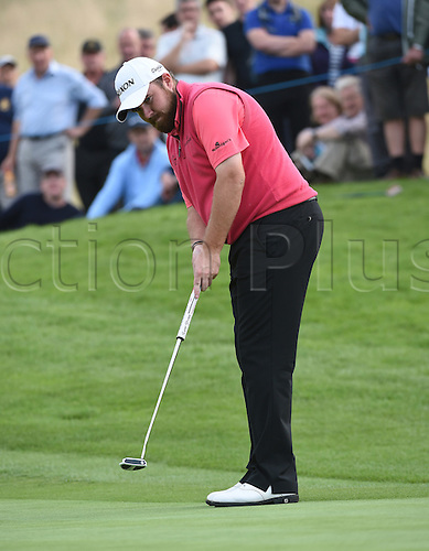 20.09.2014.  Newport, Wales. ISPS Handa Wales Open Golf. Day 3. Shane Lowry keeps his cool on his putting