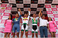 PAIPA - COLOMBIA- 19 - 02 - 2016: Walter Vargas (Cent.), ciclista de la Liga de Antioquia, medalla de oro, Bryan Ramírez (2Izq.) del Movistar América  Continental, Medalla de Plata  y Juan Pablo Redón (2 Der.) de la Liga de Antioquía, Medalla de Bronce,  durante la prueba contrarreloj individual entre las ciudades de Paipa y Duitama en una distancia de 35,2 kilometros de Los Campeonato Nacionales de Ciclismo en la categoría Elite, que se realizan en Boyaca. / Walter Vargas (C),  cyclist, of Liga de Antioquia, wins the gold medal, Bryan Ramírez (2 L) of Movistar América  Continental, Silver Medal and Juan Pablo Redón (2 R) of Liga de Antioquía, Bronze Medal,  during the individual time trial between the towns of Paipa and Duitama at a distance of 35.2 km of the National Cycling Championships in category Elite, performed in Boyaca. / Photo: VizzorImage / Cesar Melgarejo / Cont.