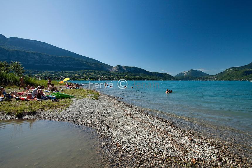 France, Haute-Savoie (74), Doussard, plage de la Réserve Naturelle du Bout du Lac // France, Haute-Savoie,  Doussard, beach of the Natural Reserve du Bout du Lac