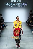 NOVA YORK, EUA, 10.02.2019 - MODA-EUA - Modelo durante desfile da grife Erxi X Mrhua Mrshua no Global Fashion Collective I na semana de Moda de New York no Pier 59 Studios em Manhattan nos Estados Unidos neste domingo, 10 (Foto: Vanessa Carvalho/Brazil Photo Press)