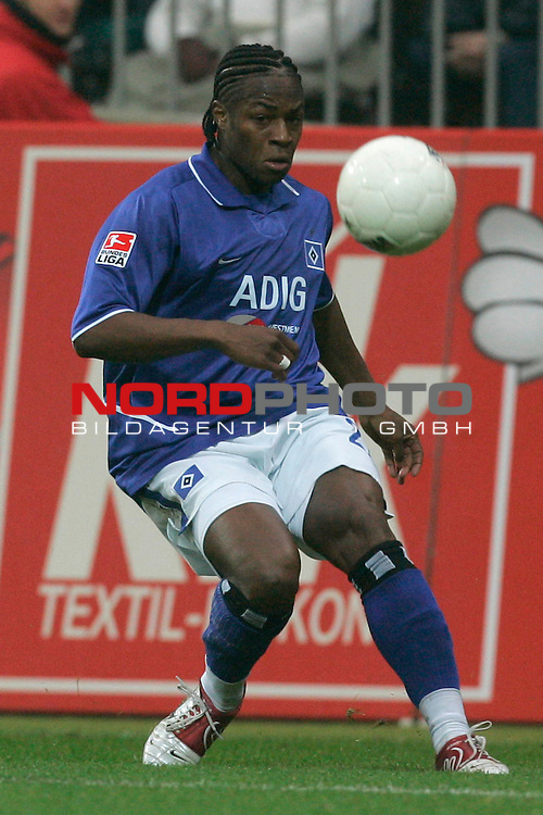 BL 2004/2005 -  11 Spieltag - Hinrunde<br /> <br /> Werder Bremen vs Hamburger SV 1:1<br /> <br /> Emilie E`Penza / Hamburg <br /> <br /> Foto &copy; nordphoto <br /> <br /> <br /> <br />  *** Local Caption *** Foto ist honorarpflichtig! zzgl. gesetzl. MwSt.<br /> <br />  Belegexemplar erforderlich<br /> <br /> Adresse: nordphoto<br /> <br /> Georg-Reinke-Strasse 1<br /> <br /> 49377 Vechta