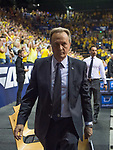 15.05.2018, EWE Arena, Oldenburg, GER, BBL, Playoff, Viertelfinale Spiel 4, EWE Baskets Oldenburg vs ALBA Berlin, im Bild<br /> der Gang in die Kabine nach der Niederlage in Oldenburg<br /> Aito Garcia RENESES (ALBA Berlin #Headcoach, #Trainer)<br /> Foto &copy; nordphoto / Rojahn