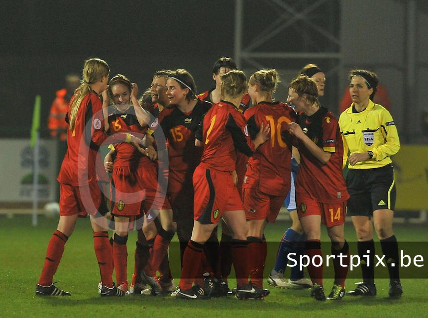 Qualification Women's Euro 2013 - Belgium - Iceland ; Belgie - Ijsland ; Armand Melis Stadion Dessel :.vreugde bij Tessa Wullaert en de belgische ploeg nadat tessa de 1-0 scoorde.foto DAVID CATRY / Vrouwenteam.be