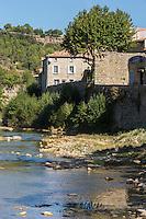France, Aude (11), Lagrasse, labellisé Les Plus Beaux Villages de France, vallée de l'Orbieu