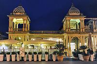 - Viareggio (Toscana), localit&agrave; balneare, passeggiata lungomare con edifici in stile Liberty<br /> <br /> - Viareggio (Tuscany), seaside resort, seafront promenade with Liberty style buildings