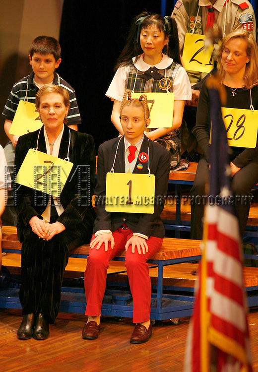 Julie Andrews and her daughter Emma Walton Hamilton, National Ambassadors for Kid's Night On Broadway, join the gang at THE 25th ANNUAL PUTNAM COUNTY SPELLING BEE on stage as guest spellers at The Circle In The Square Theatre in New York City..(pictured Jared Gertner, Julie Andrews, Sarah Saltzberg, Deborah S. Craig & Emma Walton Hamilton).January 30, 2007.© Walter McBride /