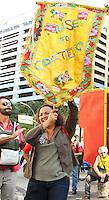 RIO DE JANEIRO, RJ, 21.05.2014 – ASSEMBLEIA PROFESSORES RJ – Os professores do município e do estado do Rio de Janeiro se reúnem em assembleia unificada para discutir os rumos da greve, o encontro esta sendo realizado ao lado da ALERJ na região central da cidade nessa terça 21. (Levy Ribeiro / Brazil Photo Press)