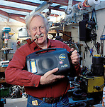 Trevor Bayliss inventor of the wind up radio