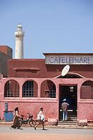 Afrique/Afrique du Nord/Maroc /Casablanca: le phare d'El-Hank et son café sur la Corniche