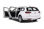 Car images of 2016 Volkswagen Passat-Variant GTE 5 Door wagon Doors
