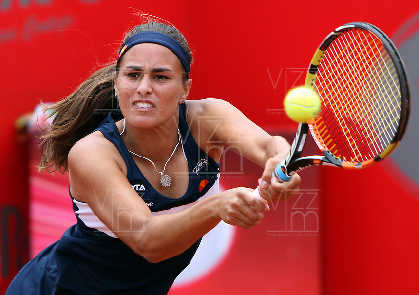 BOGOTA -COLOMBIA, 14-ABRIL-2015. Monica Puig de Puerto Rico   vencio a la holandesa Cindy Burger  durante el WTA Claro Open Colsanitas que se juega en el  Club El Rancho al norte de la capital. / Monica Puig (PUR)   won to Cindy Burger  (NED)   during the course WTA Open Colsanitas played in the Club El Rancho in north of the capital. Photo / VizzorImage / Felipe Caicedo  / Staff