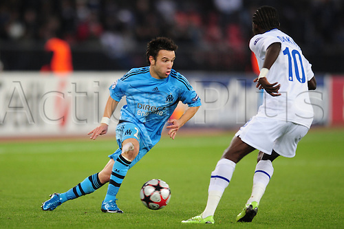 21 October, 2009 - Olympique de Marseille's Mathieu Valbuena battles FC Zurich's Onyekachi Okonkwo during UEFA Champions League qualifiers at Stadion Letzigrund in Zurich, Switzerland. Marseille won the outing 1-0. Photo Calsport/Actionplus