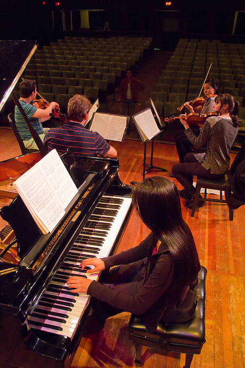 Port Townsend, Centrum, Chamber Music Workshop, June 16-21 2015, Fort Worden, Lucinda Carver teaching workshop artists, Quartet Elektra, pianist, Pauline Yang,