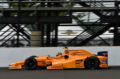 Verizon IndyCar Series<br /> Indianapolis 500 Practice<br /> Indianapolis Motor Speedway, Indianapolis, IN USA<br /> Wednesday 17 May 2017<br /> Fernando Alonso, McLaren-Honda-Andretti Honda<br /> World Copyright: Scott R LePage<br /> LAT Images<br /> ref: Digital Image lepage-170517-indy-6975