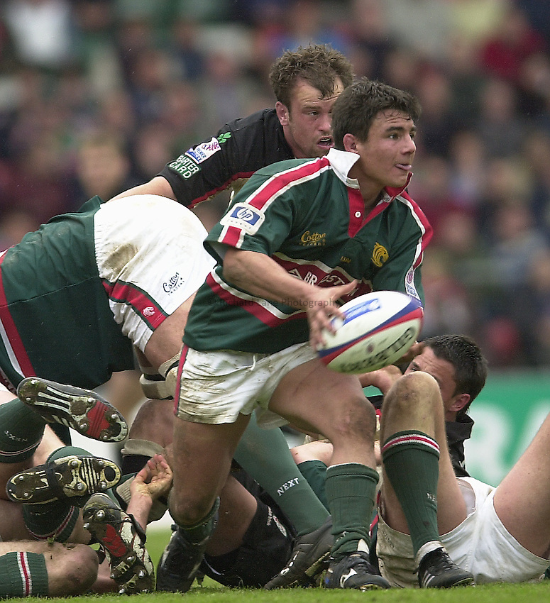 Photo Peter Spurrier.Zurich Premiership Rugby - Leicester Tigers v London Irish. 03/05/2003.Harry Ellis..