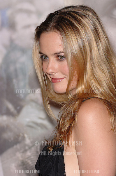 Actress ALICIA SILVERSTONE at the Los Angeles premiere of North Country..October 10, 2005 Los Angeles, CA..© 2005 Paul Smith / Featureflash