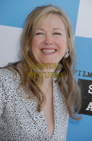 CATHERINE O'HARA.The 2007 Independent Spirit Awards held at the Santa Monica Pier, Santa Monica, California, USA..February 24th, 2007.headshot portrait .CAP/ADM/GB.©Gary Boas/AdMedia/Capital Pictures