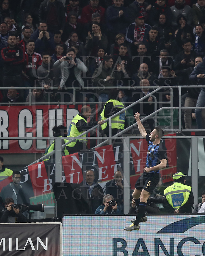 Calcio, Serie A: AC Milan - Inter Milan, Giuseppe Meazza (San Siro) stadium, Milan on 17 March 2019.  <br /> Inter's Stefan De Vrij celebrates after scoring during the Italian Serie A football match between Milan and Inter Milan at Giuseppe Meazza stadium, on 17 March 2019. <br /> UPDATE IMAGES PRESS/Isabella Bonotto