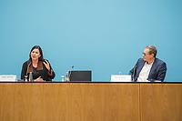 Auf einer Senatspressekonferenz am Donnerstag den 16. April 2020 der Regierende Buergermeister von Berlin Michael Mueller, SPD (rechts im Bild) und die Bildungssenatorin Sandra Scheeres, SPD, (links im Bild) ueber die Entscheidungen des Berliner Senats zu moeglichen Lockerungen der Beschraenkungen im Rahmen der Corona-Krise.<br /> 16.4.2020, Berlin<br /> Copyright: Christian-Ditsch.de<br /> [NUR FUER REDAKTIONELLE ZWECKE! Werbung nur auf Anfrage beim Fotografen. Inhaltsveraendernde Manipulation des Fotos nur nach ausdruecklicher Genehmigung des Fotografen. Vereinbarungen ueber Abtretung von Persoenlichkeitsrechten/Model Release der abgebildeten Person/Personen liegen nicht vor. NO MODEL RELEASE! Don't publish without copyright Christian-Ditsch.de, Veroeffentlichung nur mit Fotografennennung, sowie gegen Honorar, MwSt. und Beleg. Konto: I N G - D i B a, IBAN DE58500105175400192269, BIC INGDDEFFXXX, Kontakt: post@christian-ditsch.de<br /> Bei der Bearbeitung der Dateiinformationen darf die Urheberkennzeichnung in den EXIF- und  IPTC-Daten nicht entfernt werden, diese sind in digitalen Medien nach §95c UrhG rechtlich geschuetzt. Der Urhebervermerk wird gemaess §13 UrhG verlangt.]