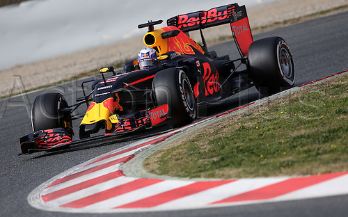 22.02.2016. Barcelona, Spain.  Australian Formula One driver Daniel Ricciardo of Red Bull steers the new Red Bull RB12 during a training session for the upcoming Formula One season at the Circuit de Barcelona - Catalunya in Barcelona, Spain.