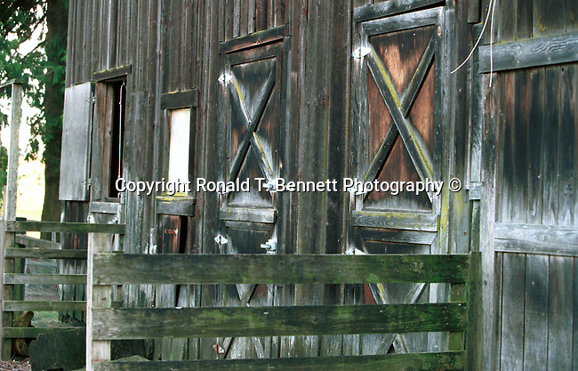 Barn doors Oregon, barn, Oregon, barn, Pacific Ocean, Plains, woods, mountains, rain forest, desert, rain, Pacific Northwest, Fine Art Photography by Ron Bennett, Fine Art, Fine Art photography, Art Photography, Copyright RonBennettPhotography.com © Fine Art Photography by Ron Bennett, Fine Art, Fine Art photography, Art Photography, Copyright RonBennettPhotography.com ©