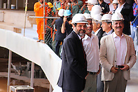 BRASILIA,DF,28 JANEIRO 2013 - VISTORIA ESTADIO MANÉ GARRINCHA - O governador do Distrito Federal Agnelo Queiroz esteve juntamente com o ministro dos esporte Aldo Rebelo, presidente da CBF José Maria Marin, o Marco Polo Del Nero e os ex - jogadores Ronaldo e Bebeto vistoriando as obras do Estadio Mané Garrincha em Brasilia.FOTO ALE VIANNA - BRAZIL PHOTO PRESS.