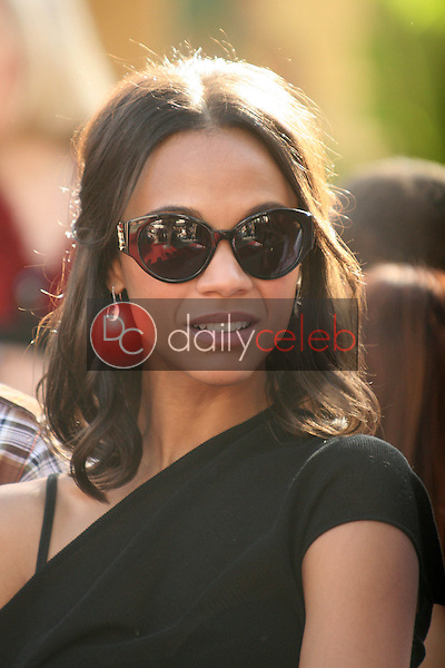 Zoe Saldana<br /> at the induction ceremony for James Cameron into the Hollywood Walk of Fame, Hollywood Blvd, Hollywood, CA.  12-18-09<br /> David Edwards/Dailyceleb.com 818-249-4998