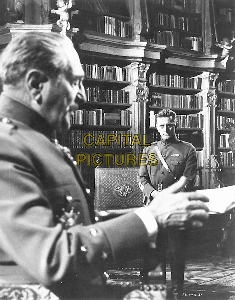 ADOLPHE MENJOU & KIRK DOUGLAS.in Paths of Glory (1957).*Filmstill - Editorial Use Only*.CAP/STF/PEL.Supplied by Capital Pictures.