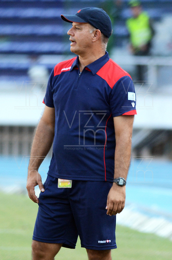 BARRANQUIILLA -COLOMBIA-6-AGOSTO-2014. Juan Eugenio Jimenez director tecnico de Real Cartagena durante partido contra Uniautonoma  , partido de la Copa Postobon septima fecha disputado en el estadio Metroplitano. /Juan Eugenio Jimenez coach of Real Cartagena  during match against Uniautonoma , party date Postobon seventh Cup match at the Metropolitano stadium.  Photo: VizzorImage / Alfonso Cervantes / Stringer