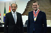 SAO PAULO, 21 DE JUNHO DE 2012 - SKAF ENCONTRA MARIANO RAJOY -  Presidente do governo da Espanha Mariano Rajoy recebe medalha do Presidente da Fiesp Paulo Skaf, na tarde desta quinta feira, na Fiesp, regiao central da capital. FOTO: ALEXANDRE MOREIRA - BRAZIL PHOTO PRESS