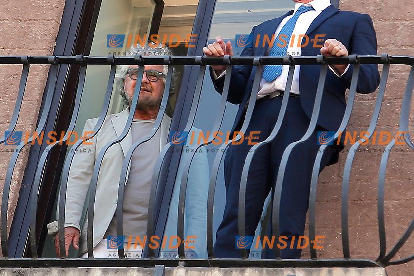 Beppe Grillo <br /> Roma 12-07-2016 Campidoglio, Beppe Grillo si affaccia al balcone durante il suo incontro con la Sindaca di Roma.<br /> Beppe Grilo look out from the balcony of Campidoglio during the meeting with the newly elected mayor of Rome<br /> Photo Samantha Zucchi Insidefoto