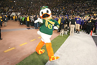 Nov  05, 2011:  Oregon mascot THE DUCK against Washington .  Oregon defeated Washington 34-17 at Husky Stadium in Seattle, Washington...