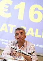 Michael O'Leary, amministratore delegato della compagnia aerea low-cost irlandese Ryanair, tiene una conferenza stampa a Roma, 22 gennaio 2013..Irish low-cost air company Ryanair's CEO Michael O'Leary attends a press conference in Rome, 22 January 2013..UPDATE IMAGES PRESS/Riccardo De Luca