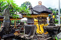 Bali, Badung, Perean. A small village south of Bedugul. Beautifully decorated temple.