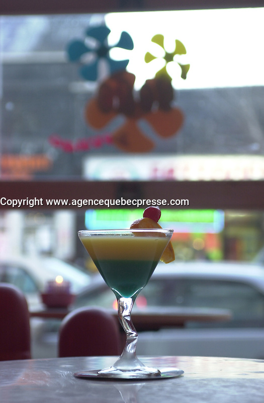 Martini at the GOGO Lounge on St-Laurent Boul., Montreal. Photo : (c) 2004, Pierre Roussel